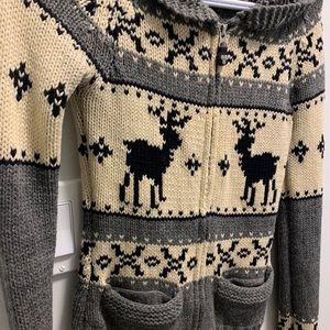 🖤 aritzia zip up sweater (2 for $40)